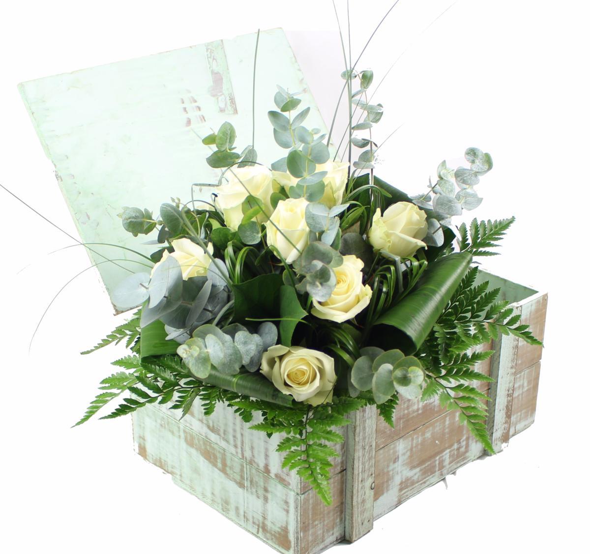 la fontaine fleurie livraison bouquet de roses blanches. Black Bedroom Furniture Sets. Home Design Ideas
